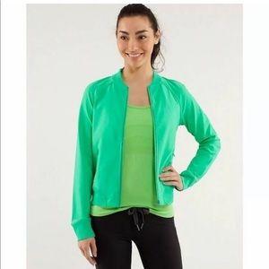 EUC lululemon om me home jacket size 10 green
